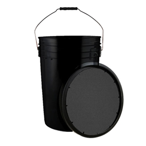 Picture of Champion 6 Gallon Ball Bucket with Padded Lid